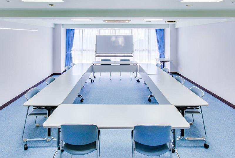 多目的スペース「マホロバ・マインズ三浦」 会議室C−4の室内の写真