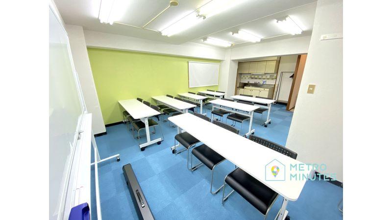 【クローバー会議室】 プロジェクタ無料の貸し会議室♪の室内の写真