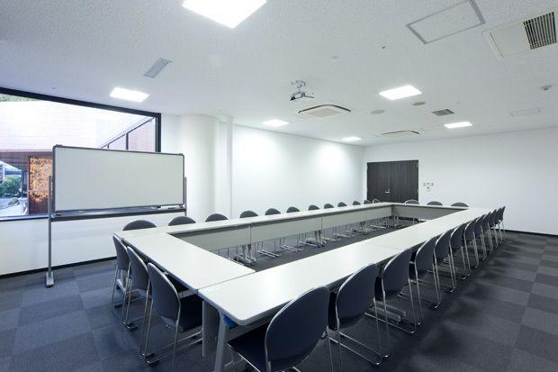大阪会議室 松下IMPビル会議室 B会議室(2階)の室内の写真