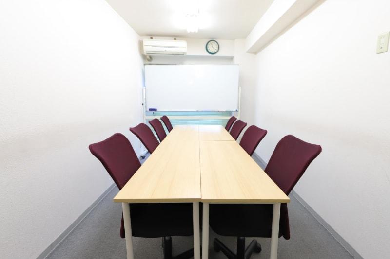 新宿コムロビル コモンズ会議室 新宿高島屋前の室内の写真