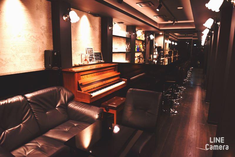ピアノラウンジ AMA 音楽スタジオの室内の写真