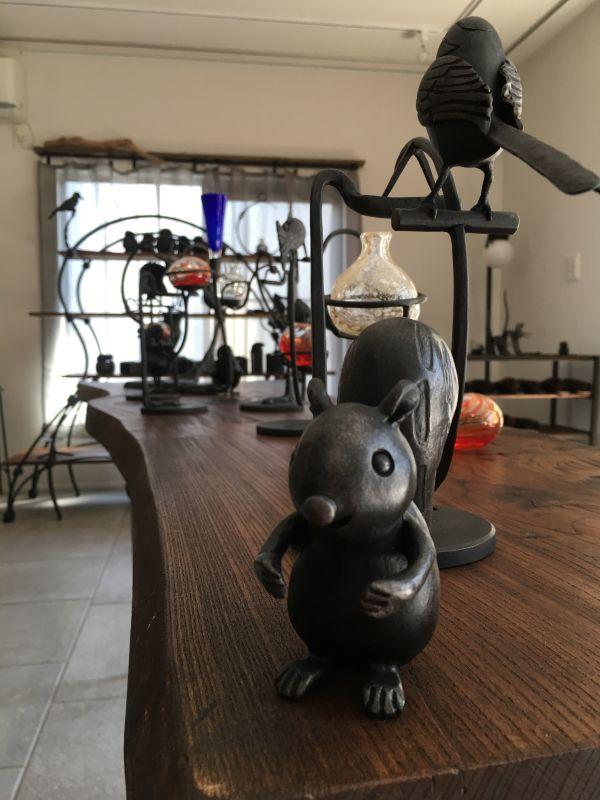 sessy88  庭のある部屋キッチンスタジオ併設の室内の写真