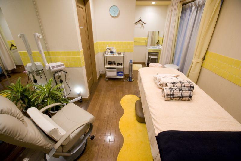 レンタルサロン駒沢 トリートメントスペースの室内の写真