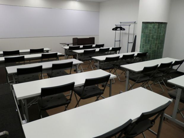 大阪会議室 NSEリアルエステート堂島店 C-2室(B1階)の室内の写真