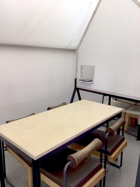SEEDHOUSE<シードハウス・コワーキング> 半個室Aの室内の写真