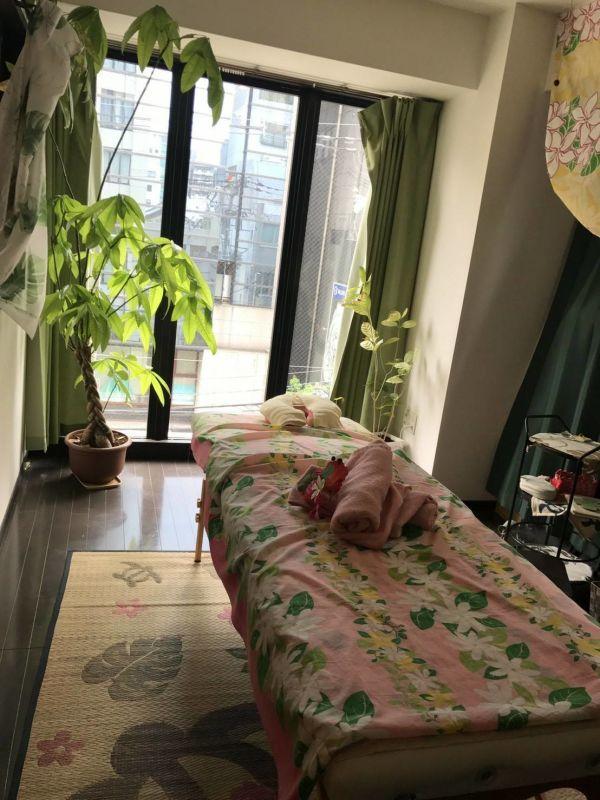 ココカラリセット サロンスペースの室内の写真
