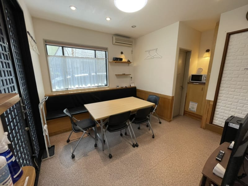 約10畳のプライベート空間です。 - K'S SPACE 貸し会議室(ケーズスペース)の室内の写真