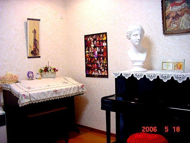 音楽スペース2時間~記念企画の室内の写真