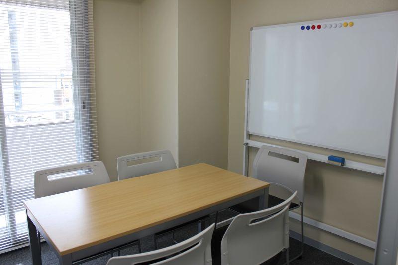 恵比寿ビジネスステーツ 貸し会議室 会議室の室内の写真