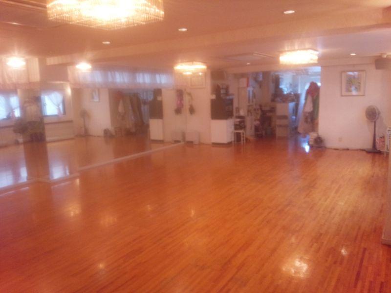 音楽・ダンススペース ノムラ 2Fダンススペースの室内の写真