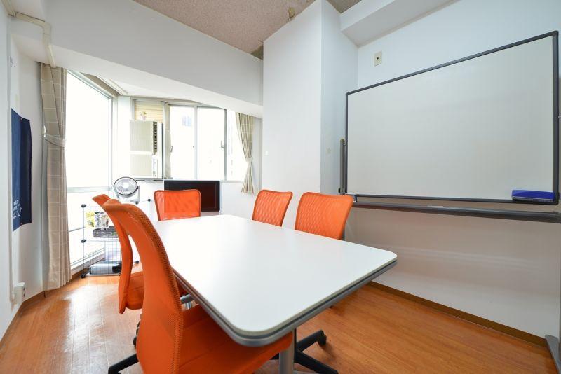 おてがる会議室in758 Share8P『スマイル』の室内の写真