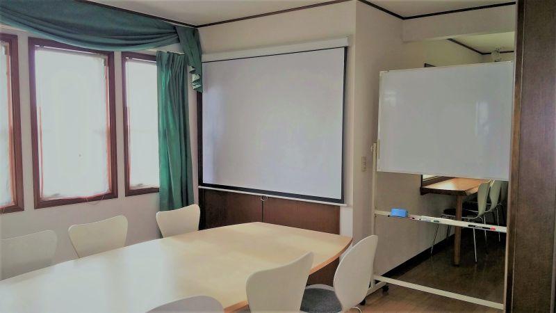 コラボモール(運営元3ACT) 多目的ルーム(南側10帖部屋)の室内の写真