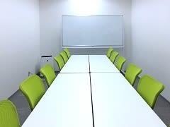 自習室うめだの貸し会議室 3ビル 12階18号C号室の室内の写真