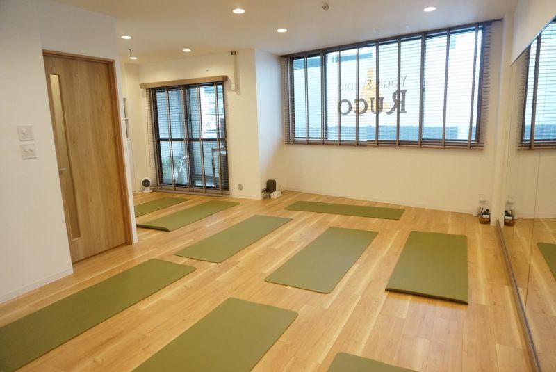 Yoga Studio Ruco 会議室 スタジオ の室内の写真