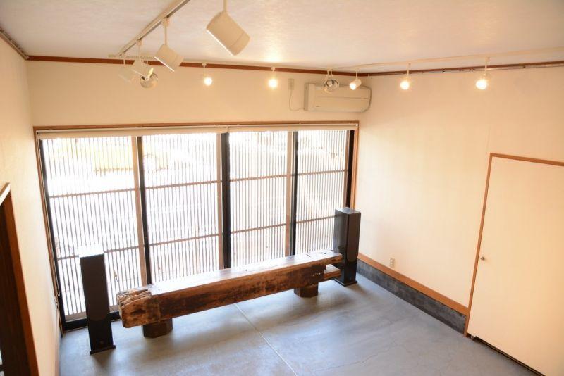 GalleryAKI 貸しギャラリーの室内の写真