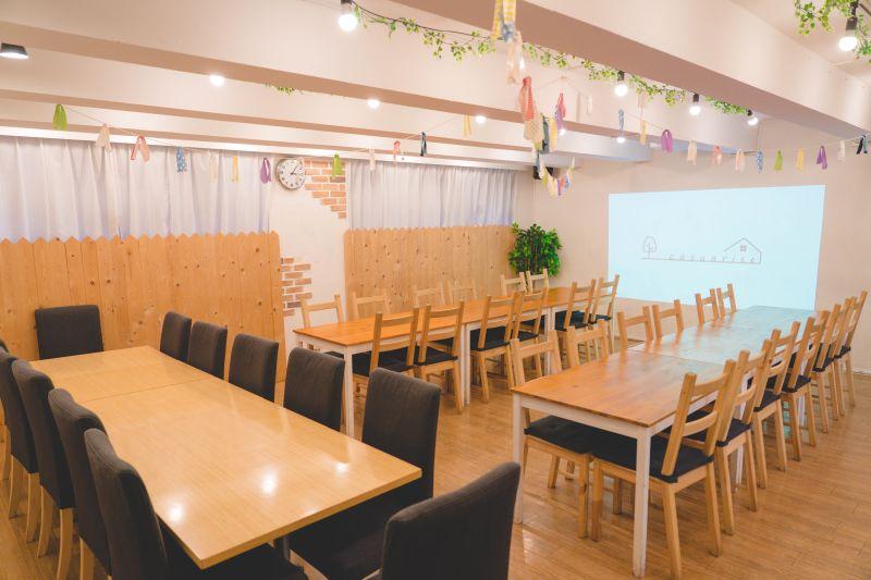 【casuarise 東池袋】 カントリー風キッチン付スペースの室内の写真
