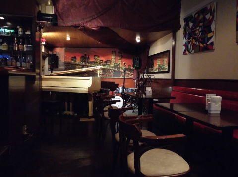 ジャズカフェギグ 多目的スペースの室内の写真