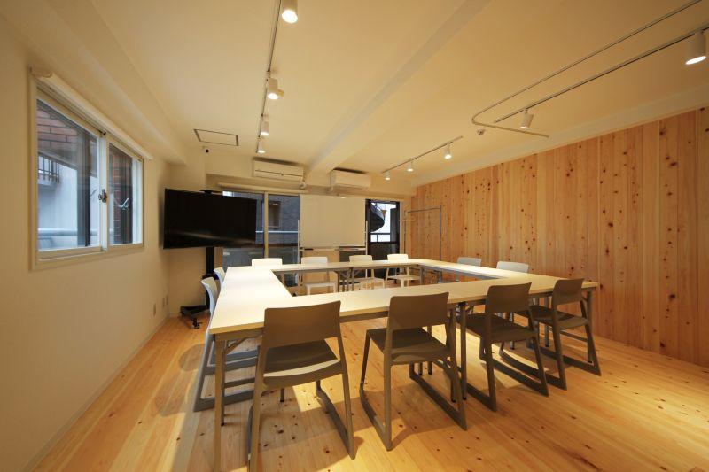 室内は抗ウィルスコーティング済でより安心してご利用いただけます。 - 【メイプル】新宿タカシマヤ前 レッスンスペース・貸し会議室の室内の写真