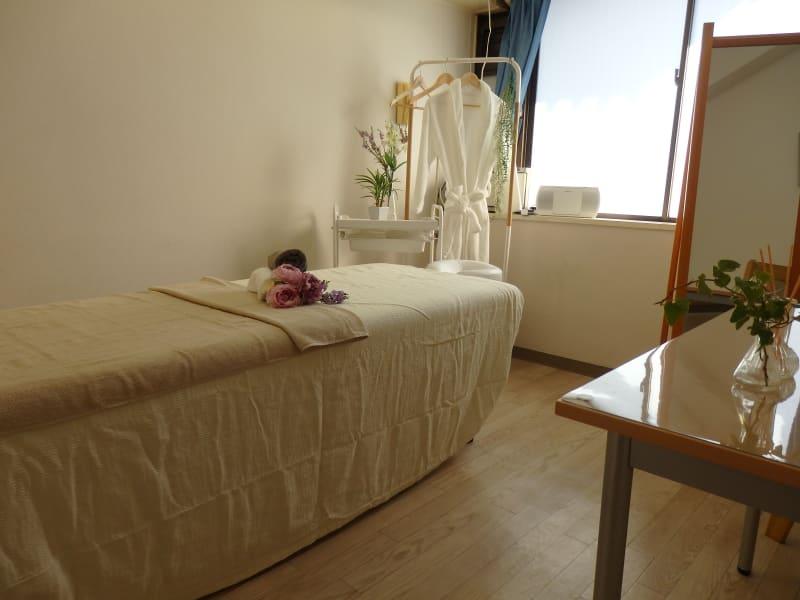 横浜レンタルサロン西口Wサロン 【リニューアル】横浜西口Wサロンの室内の写真