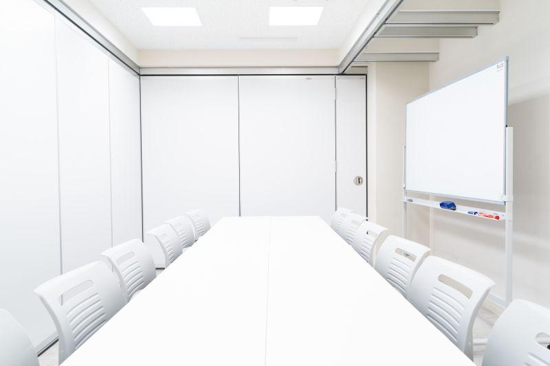 貸会議室24大宮 小会議室Bの室内の写真