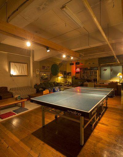 BARラウンジ堀江卓球部 サロンスペース 会議室 卓球場の室内の写真