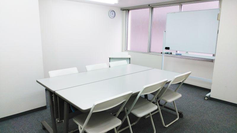 インスタント会議室 新大阪店 貸し教室(302号室)の室内の写真
