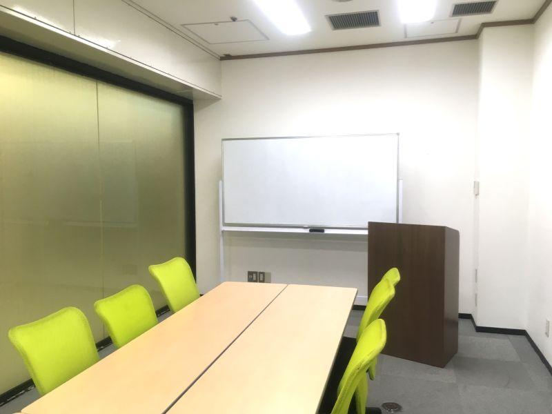 自習室うめだの貸し会議室 3ビル 2階52号室の室内の写真