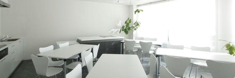 karasuma BASE 多目的レンタルスペースの室内の写真