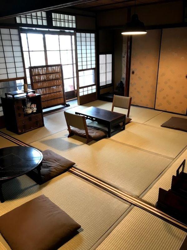 京町家 Tawaraya 南の間 6畳+4畳の室内の写真