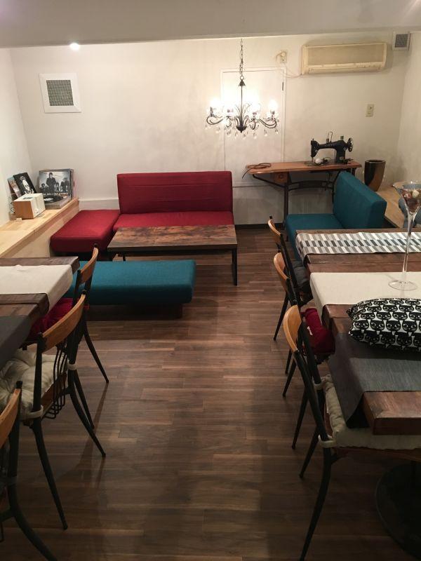 レストラン Isshiki テーブル、ソファー個室の室内の写真