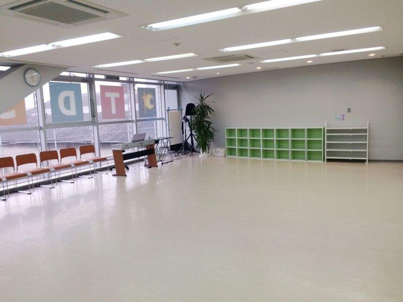広くて綺麗なレンタルスタジオ(消毒もバッチリ) - テーマパークダンサーズスタジオ スタジオスマイルの室内の写真