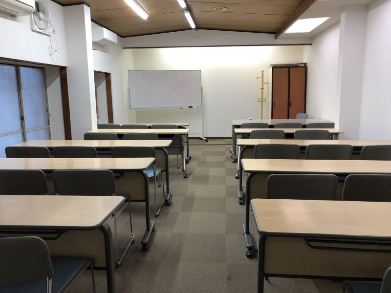 レンタル会議室アカモモ 貸し会議室アカモモの室内の写真