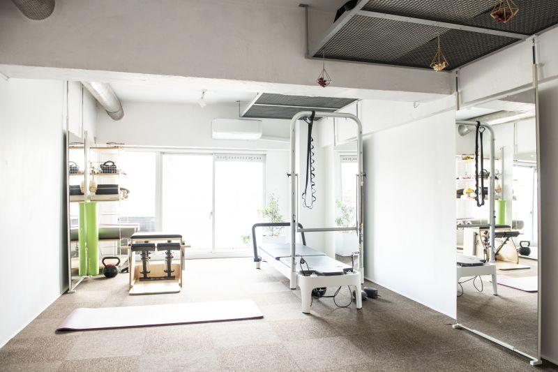 スタジオトーチ 下北沢 ピラティス&トレーニングスタジオの室内の写真