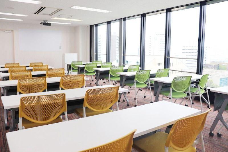 株式会社エスグロー 貸し会議室の室内の写真