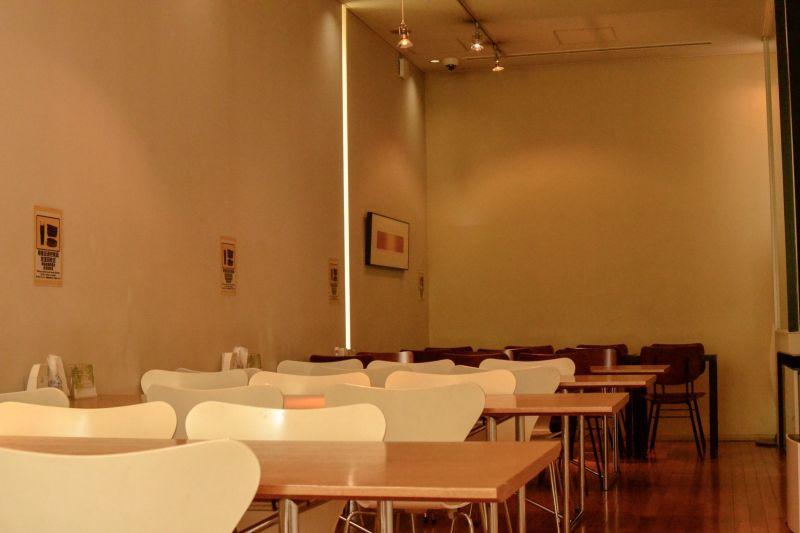 ホテルオーク静岡 レストラン会場 多目的ホールの室内の写真