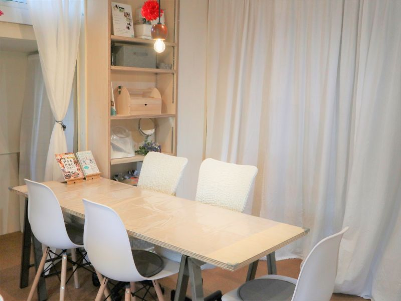 Tomorrow and Everyday Lotus Table Laboの室内の写真