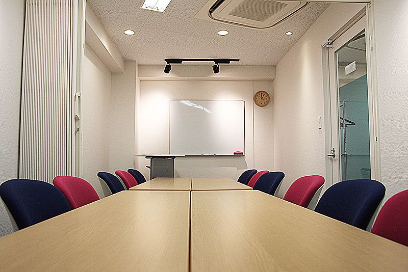 池袋コワーキングスペース&貸会議室 FOREST 会議室BCの室内の写真