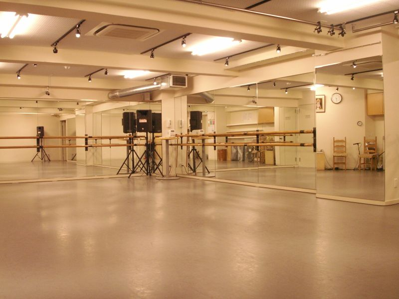 CADENA FLAMENCA レンタルダンススタジオの室内の写真