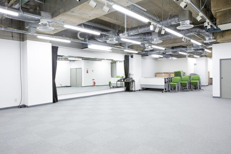 スタジオスペース新宿御苑 ライブ会場、講演、ミーティングの室内の写真
