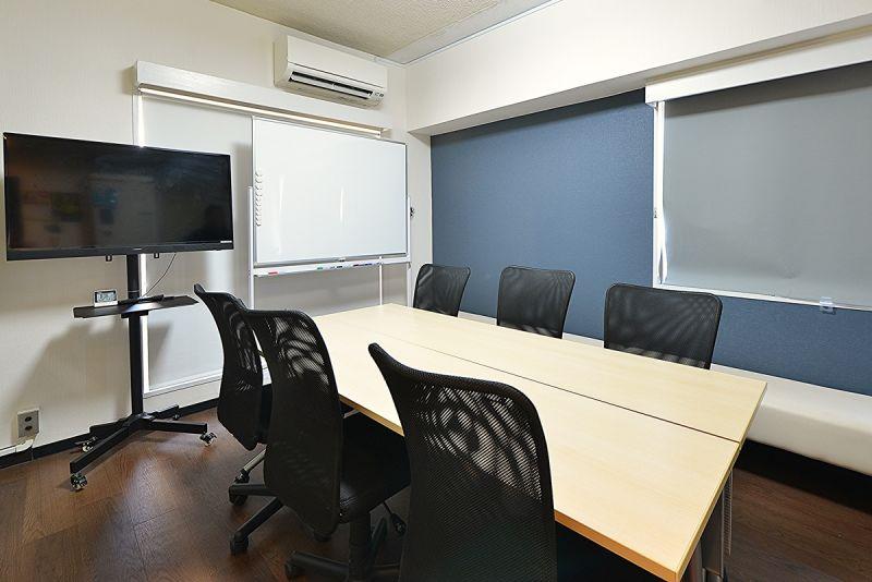 おてがる会議室in758 Share8P『モノトーン』の室内の写真