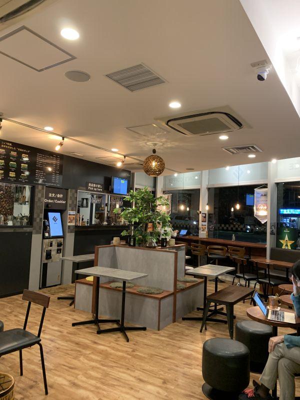 LEON'S COFFEE お洒落カフェ LEONの室内の写真
