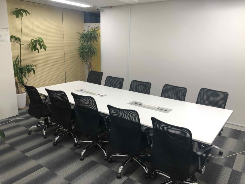 新橋駅前ビル ワンコイン新橋駅会議室B-08の室内の写真