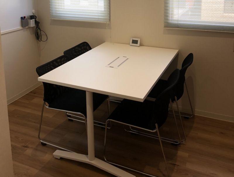 四ツ谷ビジネスラウンジ(六番町) 会議室01の室内の写真