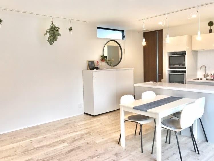 S Style Studio 駐車場完備☆新築戸建キッチン付の室内の写真