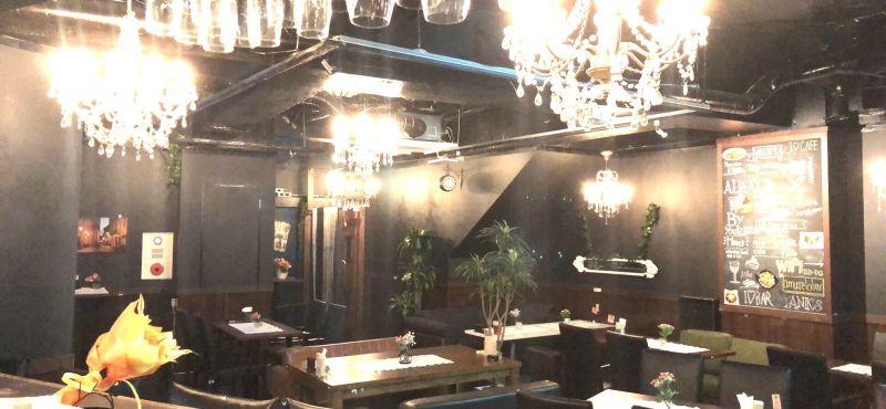 Amuse  Lo Bar カフェスペースの室内の写真