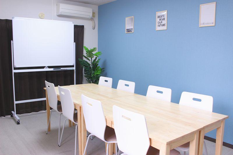 船橋FRIENDSⅣ 安くて明るい綺麗な会議室!の室内の写真