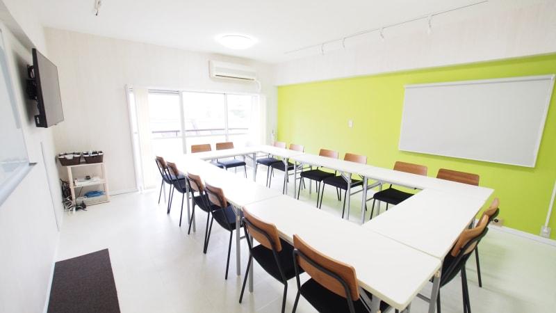渋谷のレンタルスペース - 【KOMOREBI】渋谷貸会議室 WiFi電源おしゃれ 女性に人気の室内の写真