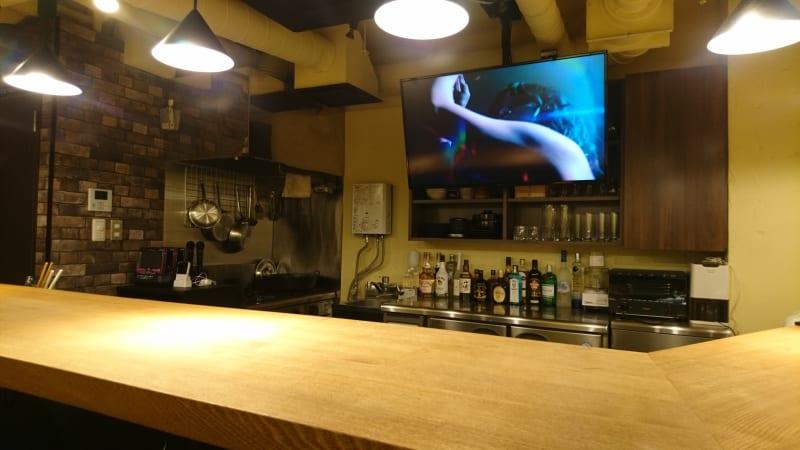 居心地が良いカウンター - 渋谷のoasis 居心地ワークスペースの室内の写真