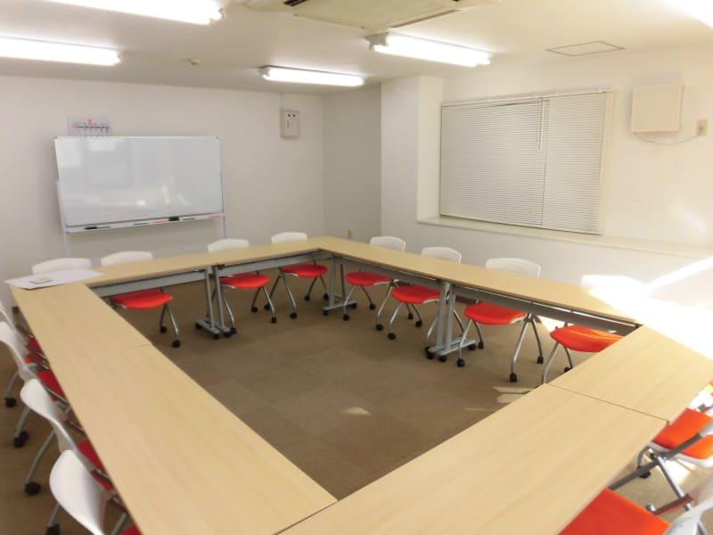 日当たりの良い会議室です - Office+ 菱栄ビル貸会議室 会議室 、 レンタルスペースの室内の写真