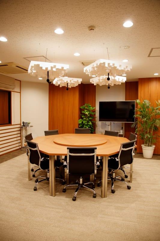 ❶防音設備で撮影向きのお部屋(レイアウト変更も可能) - TGIマーケティング グループインタビュールーム赤坂Aの室内の写真